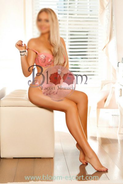 Bisexual Blonde Escort For Couples